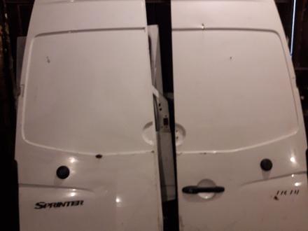 Задние двери на мерседес спринтер за 100 000 тг. в Кокшетау