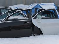 Дверь на мерседес W221 S550 за 3 000 тг. в Алматы
