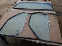 Стекла передние за 1 000 тг. в Актау