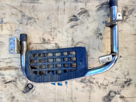 На Мицубиси Делика Delica, 1989-1993 гв передние подножки пара за 25 000 тг. в Алматы – фото 2
