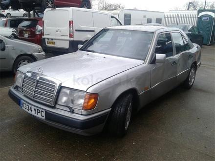 Mercedes-Benz E 320 1993 года за 111 111 тг. в Темиртау – фото 2