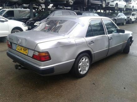 Mercedes-Benz E 320 1993 года за 111 111 тг. в Темиртау – фото 4