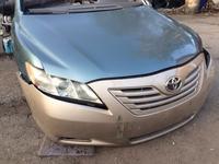 Бампер передний на Toyota Camry за 555 тг. в Алматы