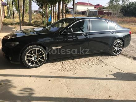 BMW 740 2009 года за 7 500 000 тг. в Шымкент – фото 3
