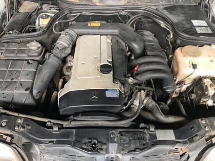 Двигатель 104 на мерседес! за 100 тг. в Алматы