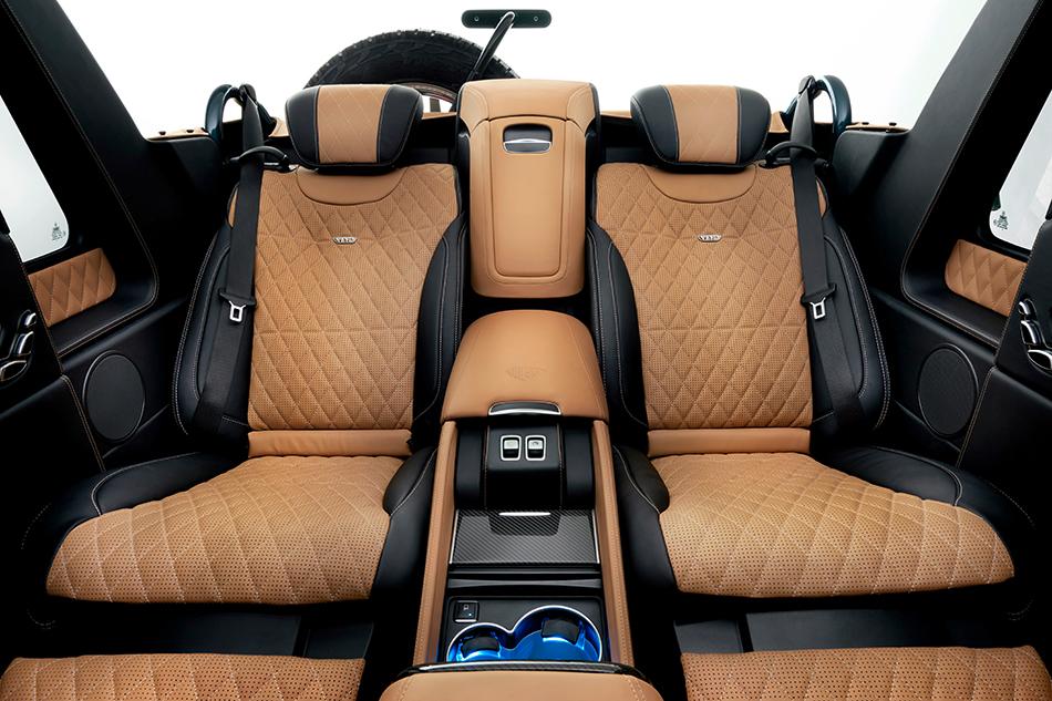 Сиденья позаимствовали уMercedes-Maybach S600. Они оснащены иэлектроприводом, ифункцией массажа