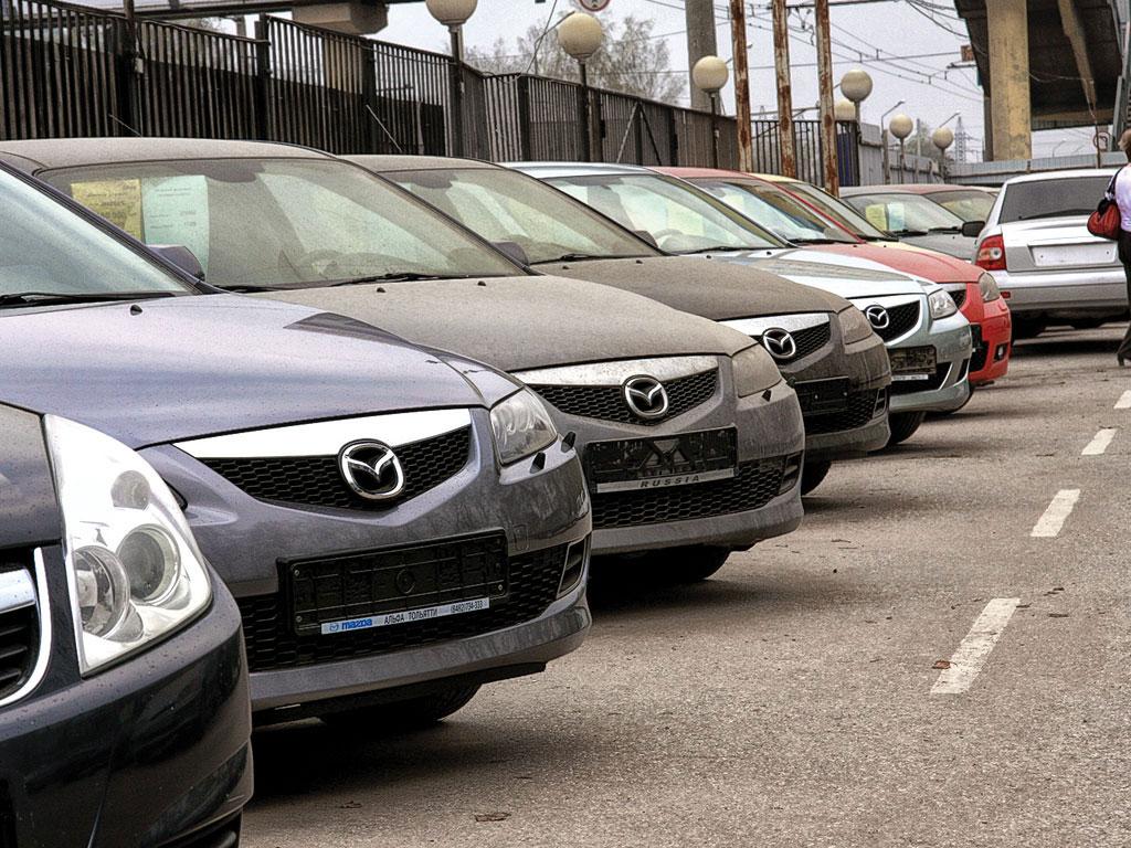 Само собой, в России и выбор шире — многие марки и модели, которые  продаются на официальном рынке, не предлагаются местными дилерами вообще  (Toyota Venza). d77569660f4