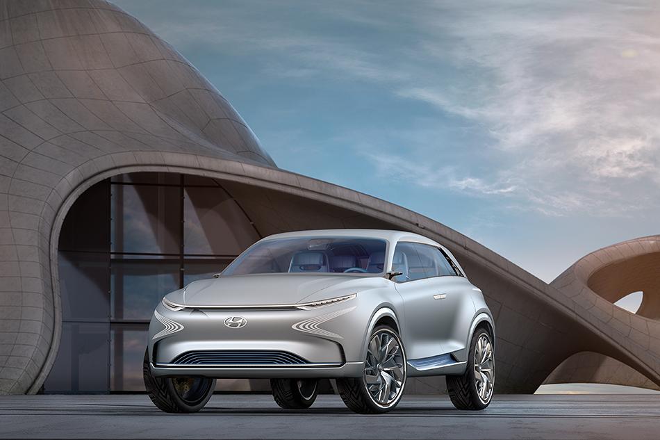 Hyundai FEFuel Cell. Этот водородный кроссовер может проехать наодном баке почти 800км, ивскоре онстанет серийным. Произойдёт это в2018году. Правда, мысомневаемся, что онвыглядеть будет также.