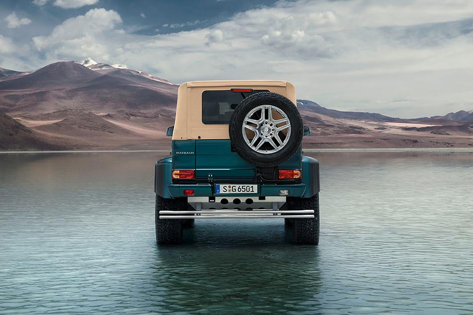 Воснове модели лежит G500 4×4², вот только его колёсную базу растянули более чем наполметра