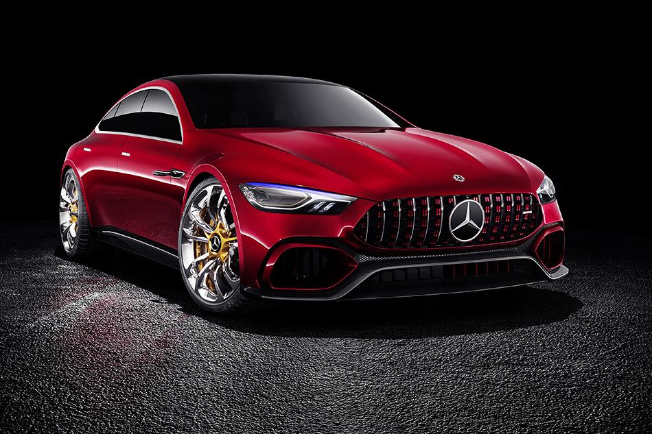 Mercedes-AMG GTConcept. Это будущий конкурент «Панамеры». Уконцепта гибридная 805-сильная силовая установка идосотни стреляет за3секунды.
