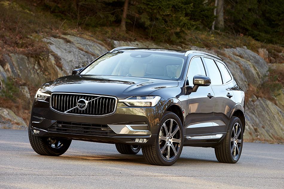 Volvo XC60. Это уменьшенная до4.7м вдлину иболее симпатичная копия XC90со всеми вытекающими. Икак полагается Volvo, представители компании уже назвали кроссовер одним изсамых безопасных авто вмире.