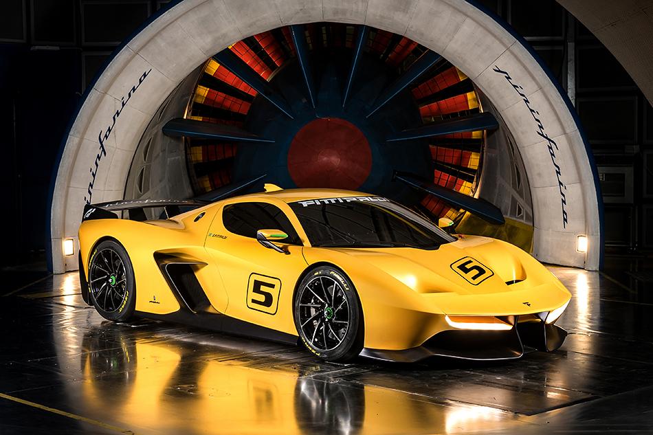 Fittipaldi EF7 Vision Gran Turismo. Вчесть кого назвали этот 1000-килограммовый суперкар с4.8-литровым 600-сильным V8, говорить, наверное, ненужно. Ноесли вдруг вынезнаете, тоЭмерсон Фиттипальди является двукратным чемпионом Формулы-1. Машина будет мелкосерийной иисключительно трековой.