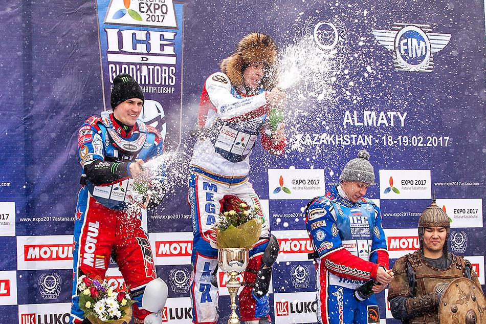 Поитогам двух дней первое место досталось Игорю Кононову, вторую ступень подиума занял Дмитрий Колтаков, атретьим стал действующий чемпион мира Дмитрий Хомицевич