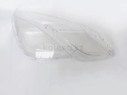 Стёкла на передние фары Mercedes w212 (2009 — 2013 Г… за 26 000 тг. в Алматы – фото 3