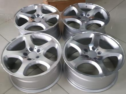 Комплект дисков r17 5*112 на Mercedes за 140 000 тг. в Уральск