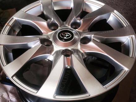 Шины и диски на R-18 на Toyota Land Cruiser 100-200 на Lexus LX 470- за 350 000 тг. в Атырау – фото 2