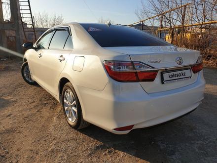 Toyota Camry 2017 года за 10 500 000 тг. в Уральск – фото 5