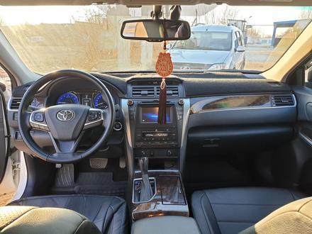 Toyota Camry 2017 года за 10 500 000 тг. в Уральск – фото 7